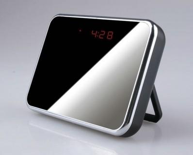 RVLD Réveil Caméra Espion Miroir Design 960P Micro SD jusqu'à 32 Go 1280x960 Vidéo Détection de Mouvements Grand Angle 140°
